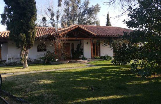 Preciosa Casa en parcela Estilo Colonial